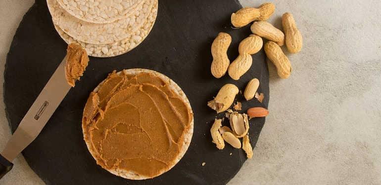 Как есть арахис