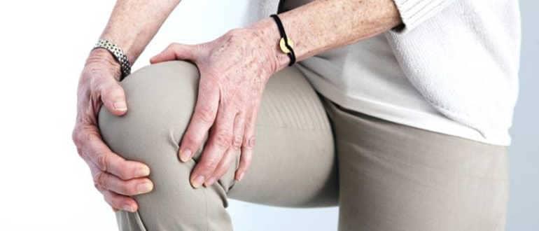 Какие признаки остеопороза у женщин после 50