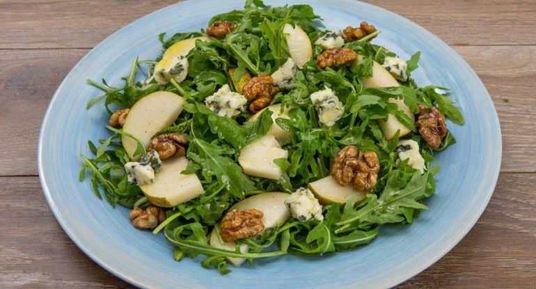 Салат с грецким орехом